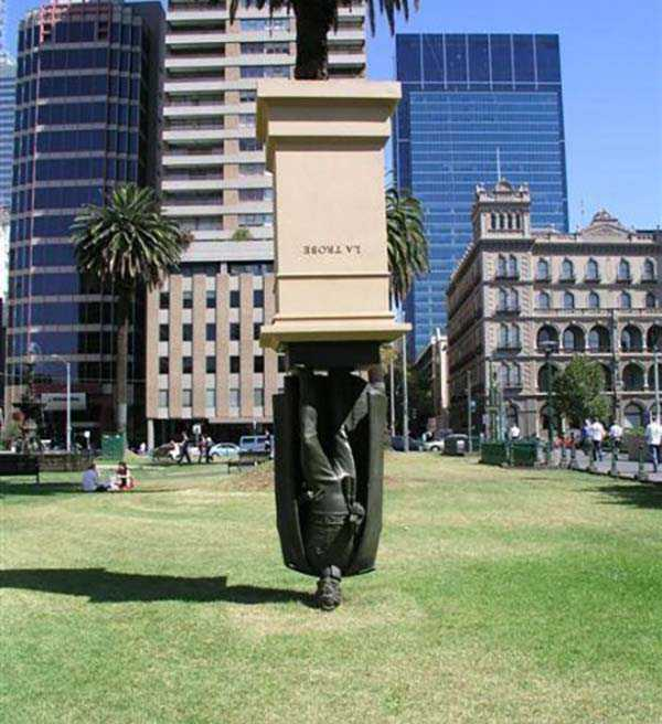 strange-and-bizarre-statues (7)