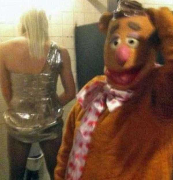 strange-stuff-in-bathrooms (25)