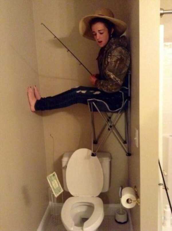 strange-stuff-in-bathrooms (27)