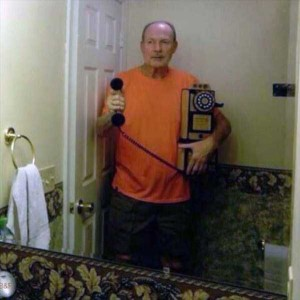 44 Extremely Stupid and Pointless Selfies (44 photos) 18