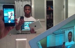 44 Extremely Stupid and Pointless Selfies (44 photos) 21