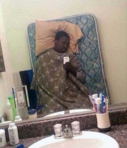 44 Extremely Stupid and Pointless Selfies (44 photos) 22