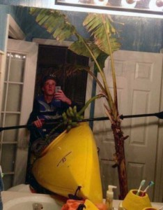 44 Extremely Stupid and Pointless Selfies (44 photos) 32