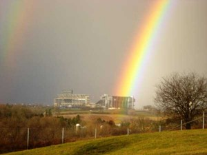 Unexpected Things Spotted at the End of a Rainbow (31 photos) 10