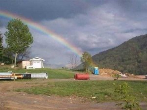 Unexpected Things Spotted at the End of a Rainbow (31 photos) 4