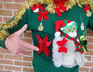 Ridiculously Ugly Christmas-Themed Sweaters (40 photos) 13