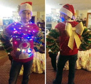 Ridiculously Ugly Christmas-Themed Sweaters (40 photos) 4