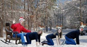 33 Hilariously Ridiculous Family Holiday Photos (33 photos) 26
