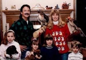33 Hilariously Ridiculous Family Holiday Photos (33 photos) 29