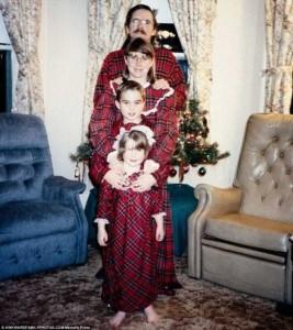 33 Hilariously Ridiculous Family Holiday Photos (33 photos) 30