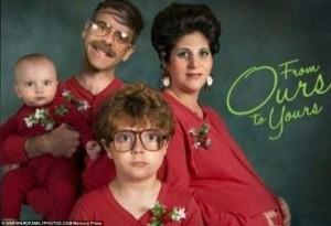 33 Hilariously Ridiculous Family Holiday Photos (33 photos) 33