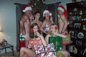 33 Hilariously Ridiculous Family Holiday Photos (33 photos) 4