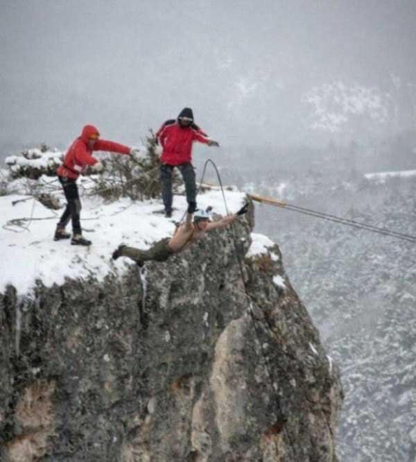 bizarre-cliff-diving (10)