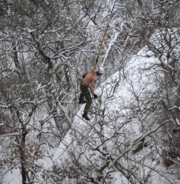 bizarre-cliff-diving (14)