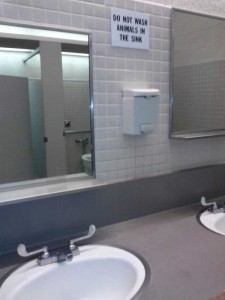 Seriously Funny Bathroom Notes and Signs (76 photos) 22