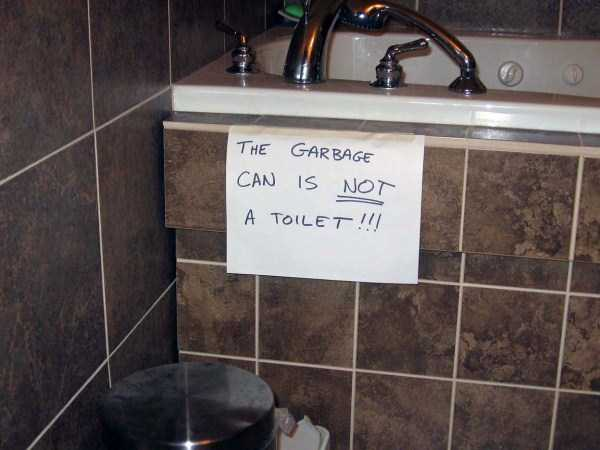 hilarious-bathroom-signs-and-notes (25)
