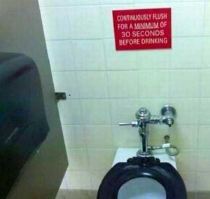 Seriously Funny Bathroom Notes and Signs (76 photos) 30