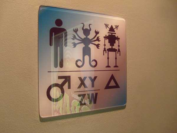 hilarious-bathroom-signs-and-notes (57)