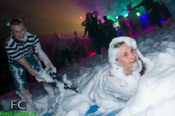 hot-girls-in-russian-nightclubs (1)