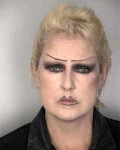 Awful Makeup Disasters (21 photos) 16
