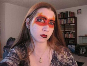 Awful Makeup Disasters (21 photos) 18