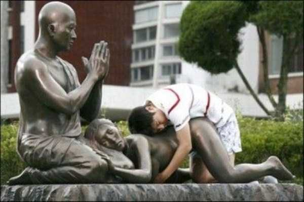 naughty-statues (1)