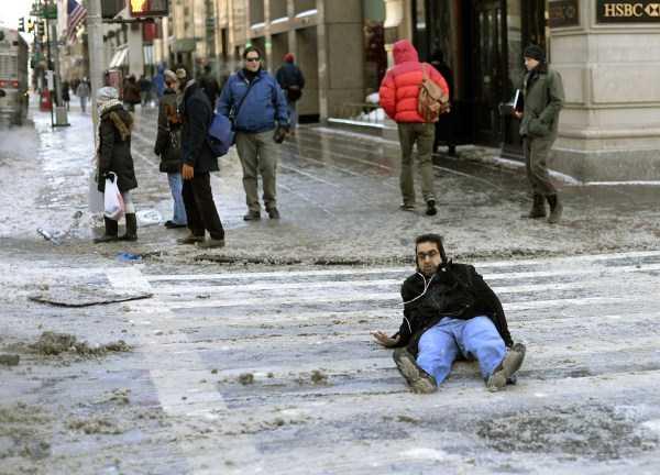 people-on-ice (20)
