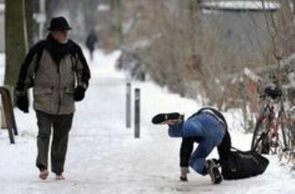 people-on-ice (5)