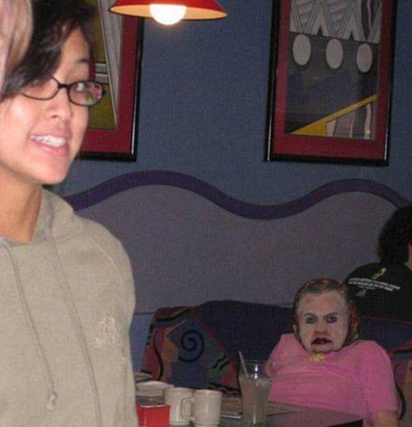 scary-photobombs (15)
