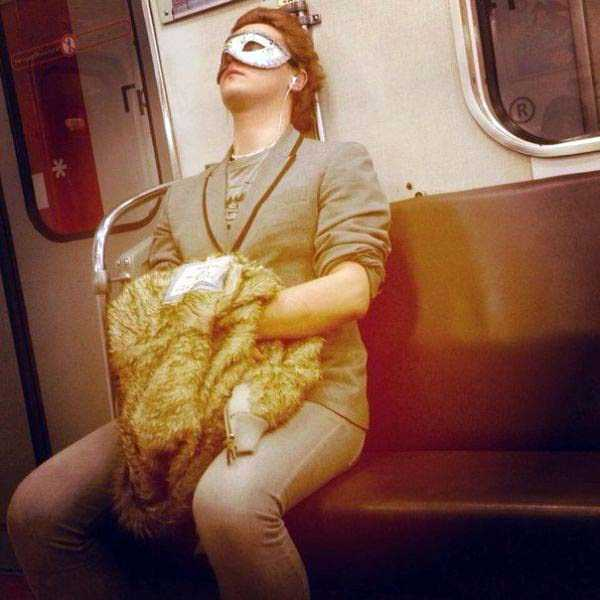 strange-subway-fashion (14)
