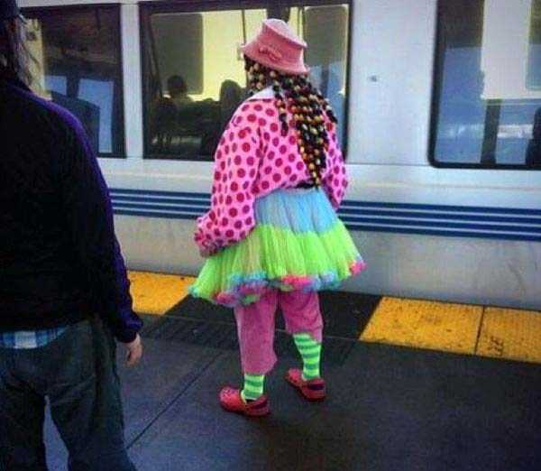 strange-subway-fashion (30)