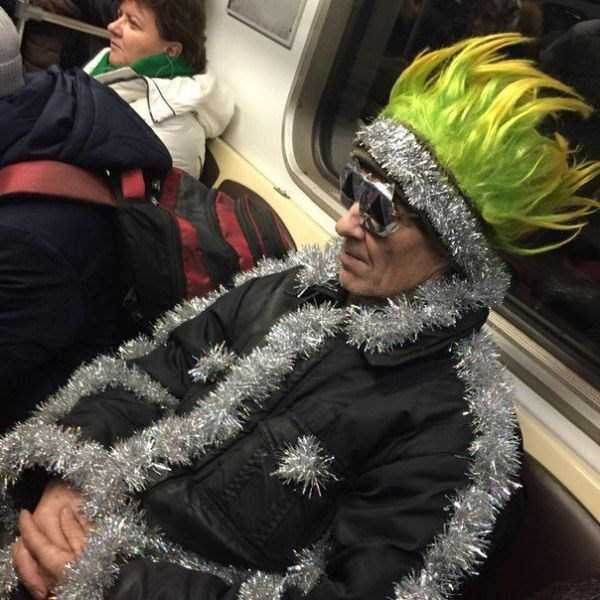 strange-subway-fashion (31)