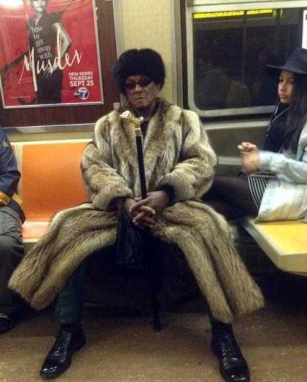 strange-subway-fashion (36)