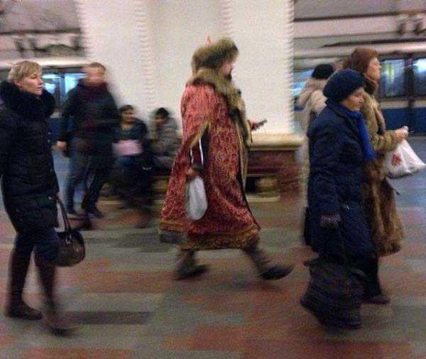 strange-subway-fashion (8)