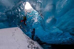 Mesmerizing World Beneath the Largest Iceland's Glacier (15 photos) 2