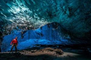 Mesmerizing World Beneath the Largest Iceland's Glacier (15 photos) 4