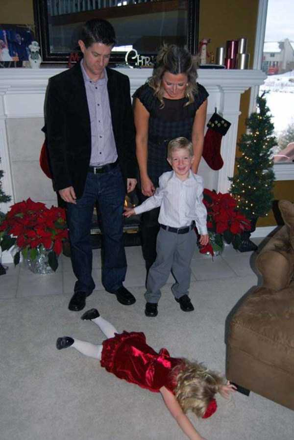 children-who-ruined-family-photos (10)