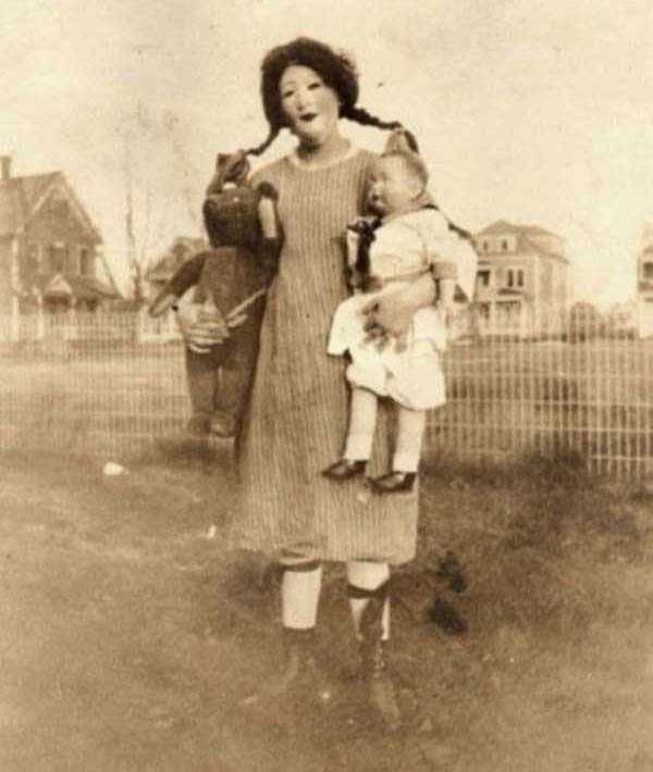 creepy-vintage-pictures (7)