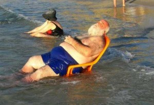 Crazy Situations Seen on the Beach (24 photos) 14