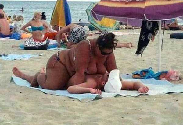 funny-beach-moments (6)