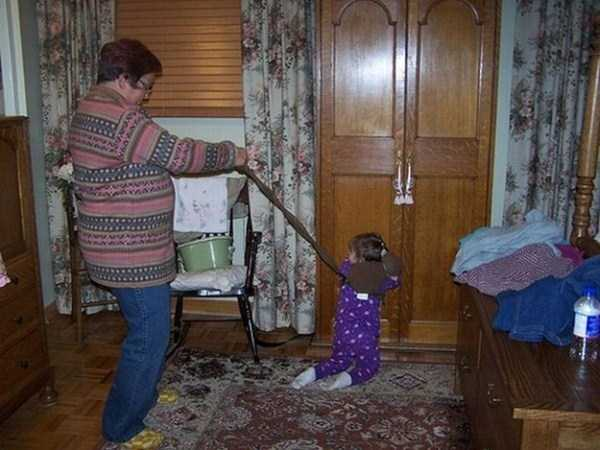kids-on-leashes (19)