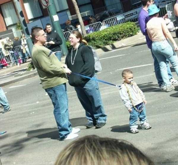 kids-on-leashes (23)