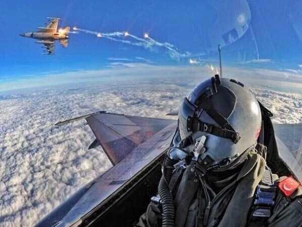 pilot-selfies (1)