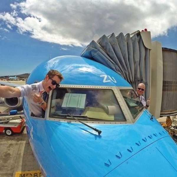 pilot-selfies (8)