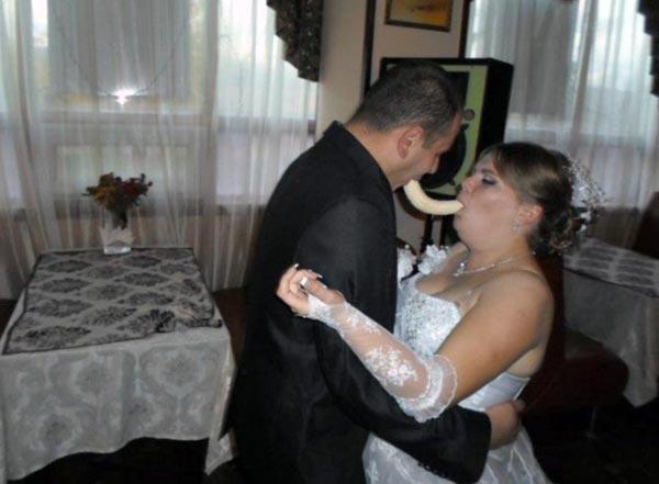 strange-russian-wedding-pics-(29)