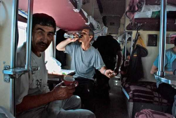 travelling-by-russian-second-class-train (17)