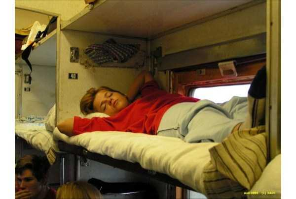 travelling-by-russian-second-class-train (21)