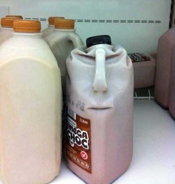 weird-faces-seen-in-things (21)