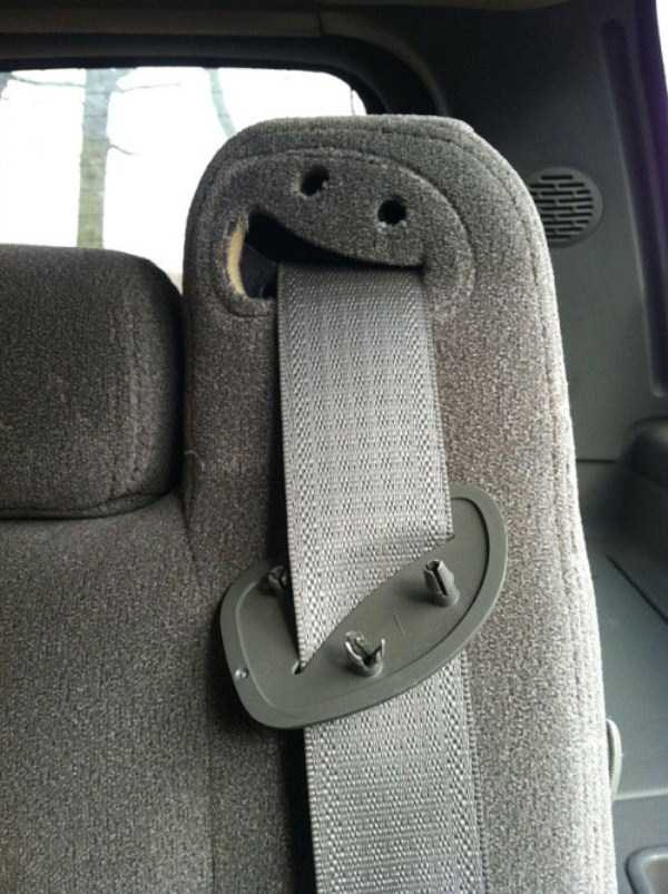 weird-faces-seen-in-things (22)