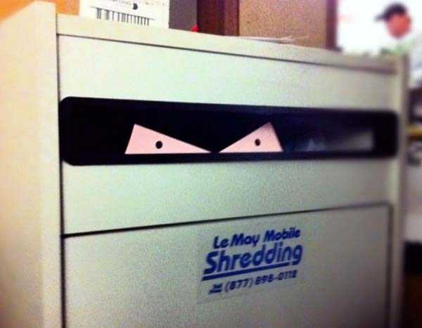 weird-faces-seen-in-things (32)